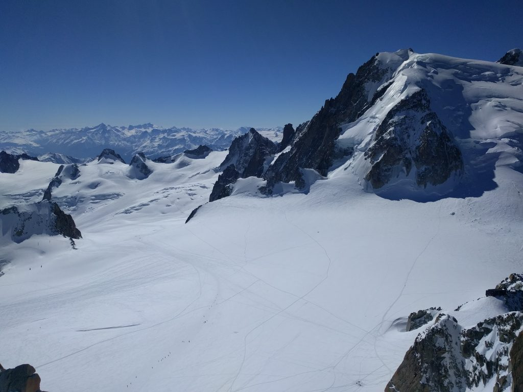 skieurs vallée blanche, chamonix, mont-blanc