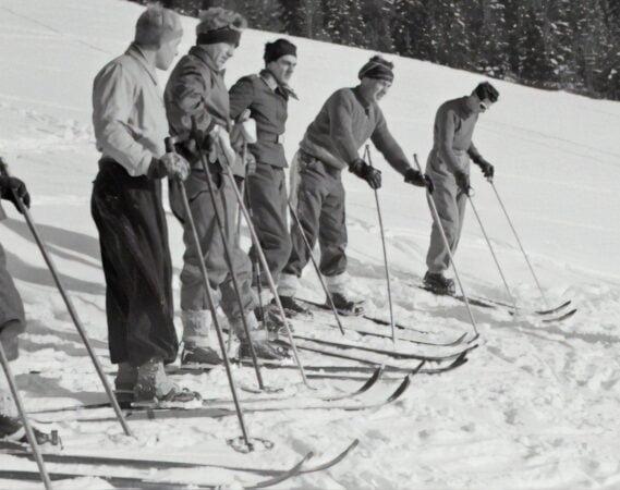 skis alpins anciens