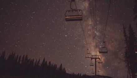 Les Bronzés font du ski, film lié à la culture populaire du ski - Wiki