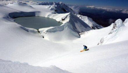 Un volcan, un skieur, la Nouvelle-Zélande - Photographies