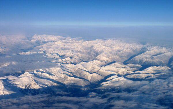 fond d'écran pour laptop Les rocheuses canadiennes vues du ciel